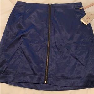 Blue silk skirt with zipper in front
